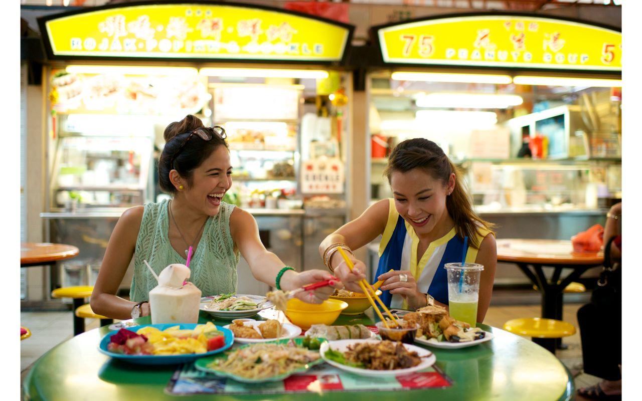 米其林鸡饭和当地小贩. 美食徒步之旅